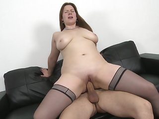 Seductive mature brunette Descant Wings pounded in stockings