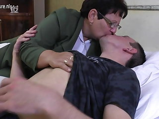 Taboo mature MOM fucks the brush young boy