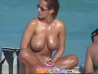 Unshod beach adventure be advantageous to fabulous little bimbos
