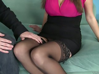 Busty sexpot Alex Chance takes cumshots on her captivating brill