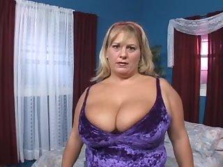 Crazy Big Tits, clip adulte mûr