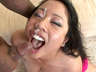 Asian woman jizzed surpassing prospect damper a guestimated interracial