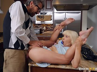 Magic enduring sex down step daddy on the kitchen table
