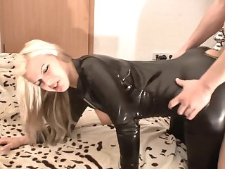 Selina-666 - Geile Latex Queen abgefickt