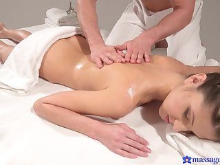 Smooth fucking on the masage table with laconic chest Gina Gerson