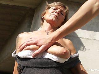 19 yo geek enjoys fucking mouth of horny granny in public