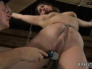 Small tits brunette Marina moans by means of hardcore pangs session