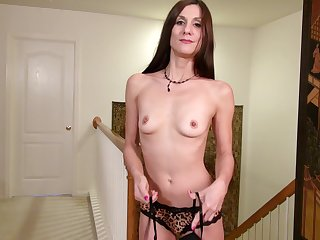 Solo video of skinny mature Leah Harris having fun with her fingers