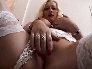 Busty sexy milf amateur