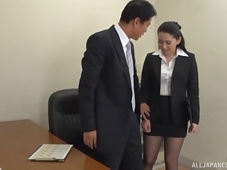 Boss gets his dig up sucked apart from his horny secretary and cums fro her mouth