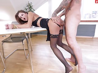 Attracting date coddle bends for a nice anal round with their way manager