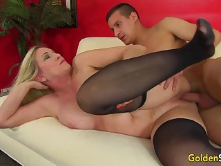 Towheaded mature bi-atch in dark-hued pantyhose, Cala Thirsts is penetrating a crappy pal like a superslut